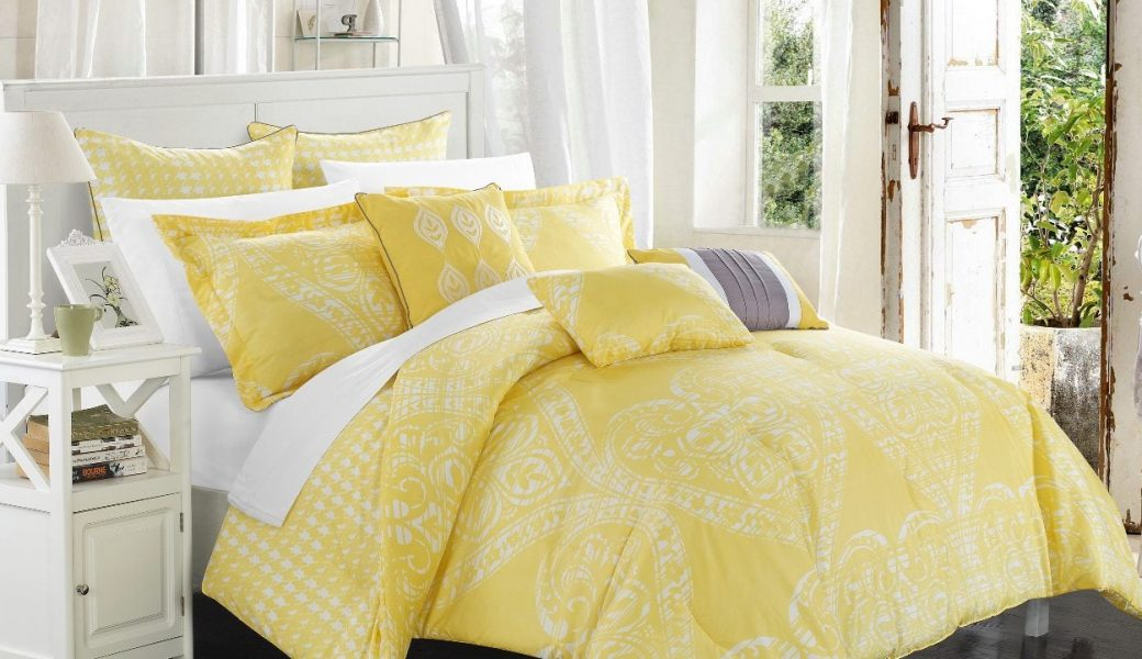 Comforter-Sets-on-the-bed