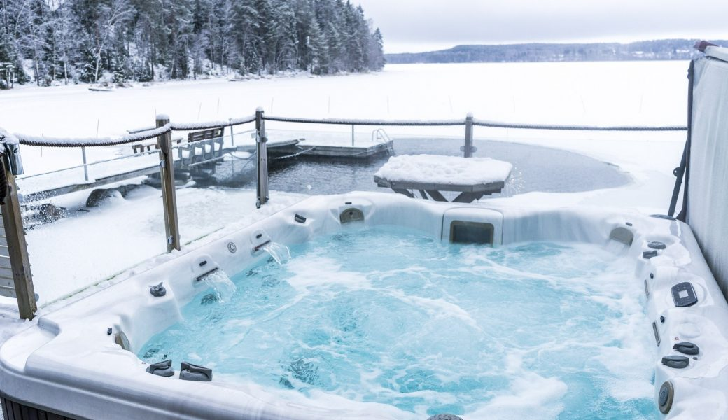 best hot tubs 2014