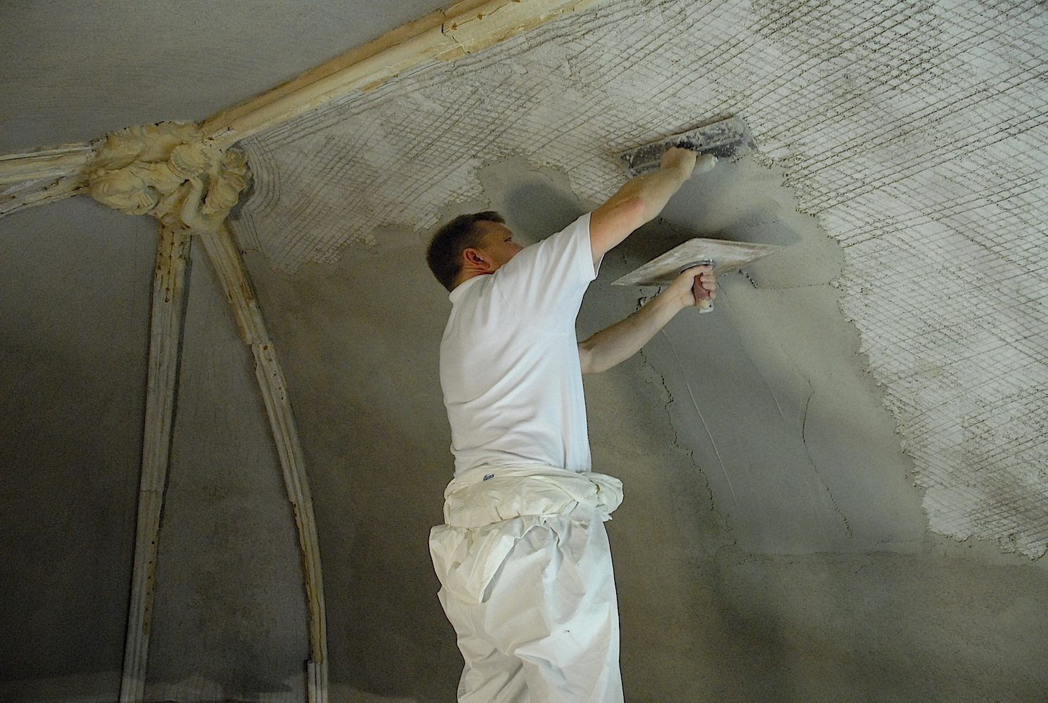 plastering contractors near me